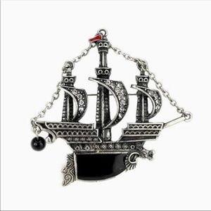 Jewelry - Pirate ship brooch